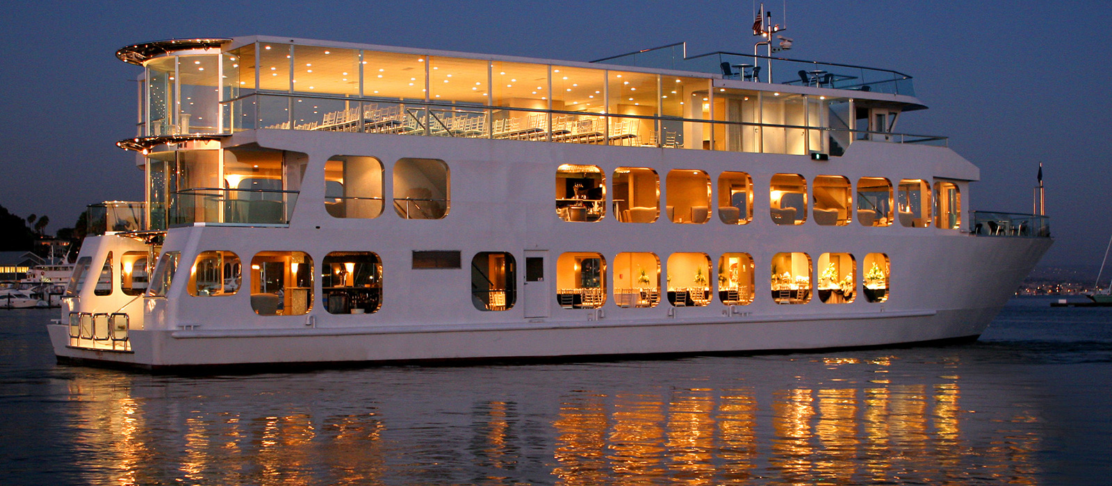 Southern California Wedding Venues On Luxurious Yacht Cruising Newport Harbor